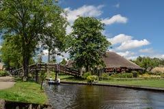 El Giethorrn divino en Países Bajos Imagenes de archivo