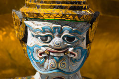 El gigante en Emerald Buddha Temple Imagenes de archivo