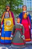 El gigante Goliat, gigante Gerarda Ghislaine Agnes Frieda y el bizcocho borracho gigante del niño en Maastricht imagen de archivo libre de regalías