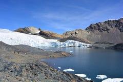 El glaciar de Pastoruri, dentro del parque nacional del ¡n de HuascarÃ, Perú Foto de archivo