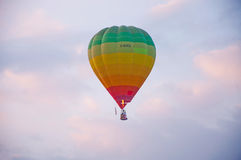 El globo del aire caliente photgrphed en el Bealton, demostración de aire del circo del vuelo del VA Imágenes de archivo libres de regalías