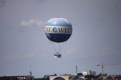 El globo del aire caliente photgrphed en el Bealton, demostración de aire del circo del vuelo del VA Fotografía de archivo libre de regalías