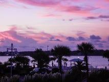 El golfo apuntala puesta del sol en poca laguna fotos de archivo libres de regalías