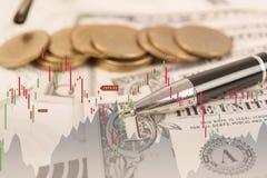 El gráfico y el dólar de la acción de la exposición doble acuñan el dinero Foto de archivo