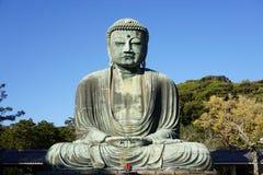 El gran Amida Buda de Kamakura (Daibutsu) en Kotoku-en el templo Foto de archivo libre de regalías