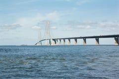 El gran puente de la correa, Storebelt en Dinamarca, Selandia de conexión con Fionia fotos de archivo libres de regalías