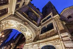El gran reloj en Ruán fotos de archivo