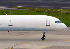 El gravar del avión blanco Imagen de archivo