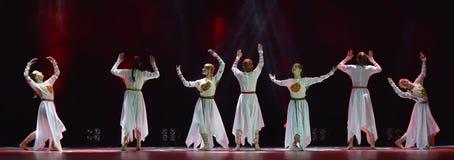 El grupo abierto de la danza del ` s de los niños de la danza Festival-2016 realiza eslavo Foto de archivo