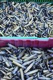 El grupo de la cáscara de la bala se opone a militares fotografía de archivo