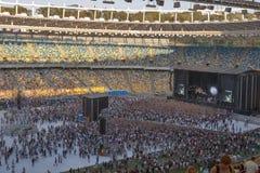 Funcionamiento de la banda de rock de Kasabian en Kiev fotos de archivo libres de regalías