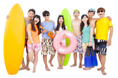 El grupo joven feliz disfruta de vacaciones de verano Imagen de archivo