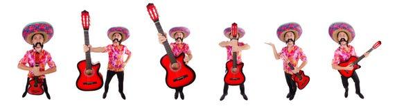 El guitarrista mexicano aislado en el blanco fotos de archivo