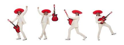 El guitarrista mexicano aislado en blanco fotografía de archivo