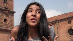 El hablar adolescente emocionado de la muchacha Imagen de archivo libre de regalías