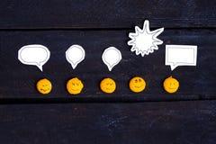 El hablar de la cara de la sonrisa Imagen de archivo libre de regalías