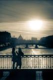 El hablar en la puesta del sol 2 Imagen de archivo