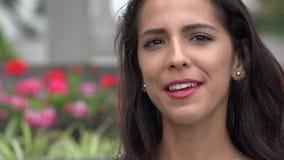El hablar hispánico de la mujer joven almacen de video