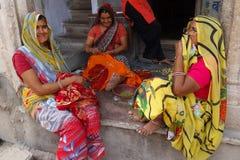 El hablar indio de las mujeres Imagenes de archivo