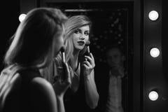 El hacer atractivo de la mujer compone Fotos de archivo libres de regalías