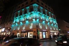El hacer compras en Champs-Elysees parís Fotografía de archivo