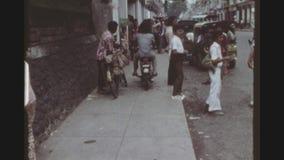 El hacer compras en Main Street