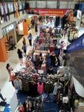 El hacer compras en Singapur suburbano Imagenes de archivo