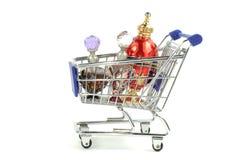 El hacer compras para el perfume Foto de archivo