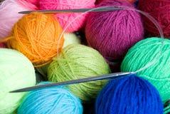 El hacer punto de las lanas Fotos de archivo libres de regalías