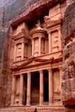 El Hacienda (Al Khazneh) en el Petra Foto de archivo libre de regalías