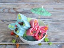 El helado se hace bajo la forma de mariposas Imágenes de archivo libres de regalías