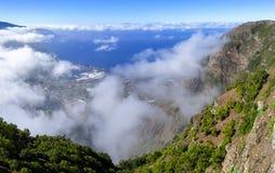 El Hierro - облака над долиной El Golfo стоковое фото