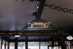 El hierro del techo calzó la decoración y la iluminación Imágenes de archivo libres de regalías