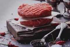 El hogar hizo cocinar de la hamburguesa Foto de archivo