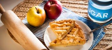 El hogar hizo la tarta de la manzana Imagen de archivo