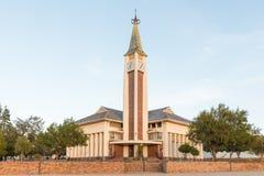 El holandés reformó la iglesia en Moorreesburg en la salida del sol Imágenes de archivo libres de regalías