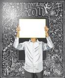 El hombre con escribe al tablero contra fondo del amor stock de ilustración