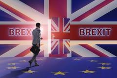 El hombre de negocios en concepto del brexit - Reino Unido que sale del eu Imagen de archivo