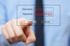 El hombre de negocios figura que hacia fuera todos los datos son cifrados por el virus Fotos de archivo libres de regalías