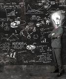 El hombre de negocios refleja en nuevas ideas Fotografía de archivo libre de regalías