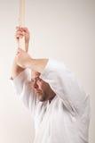 El hombre del Aikido con bokken Foto de archivo libre de regalías