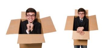 El hombre divertido con las cajas en blanco imagen de archivo