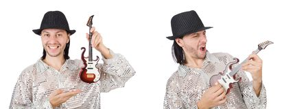El hombre hermoso joven que toca la peque?a guitarra fotografía de archivo libre de regalías