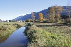 El hombre hizo el canal en valle Imagenes de archivo
