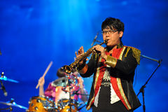 El hombre que juega el clarinete Foto de archivo libre de regalías