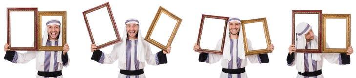 El hombre ?rabe con el marco aislado en blanco imagen de archivo