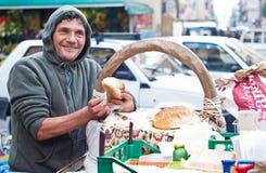 El hombre vende Frittola Fotografía de archivo libre de regalías