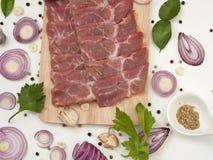 El hombro de cerdo crudo con la condimentación condimenta la comida japonesa y asiática Fotos de archivo