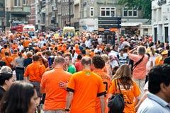El honrar de las personas de fútbol holandesas foto de archivo libre de regalías