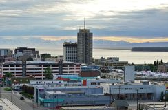 El horizonte céntrico de Anchorage Imagen de archivo libre de regalías